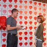 Алексей Сергиенко вручает «Сердце в подарок» в Петербурге