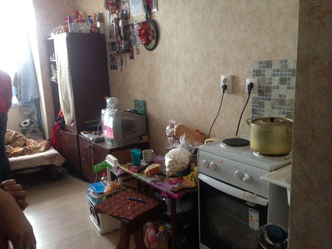 Кухня и столовая в