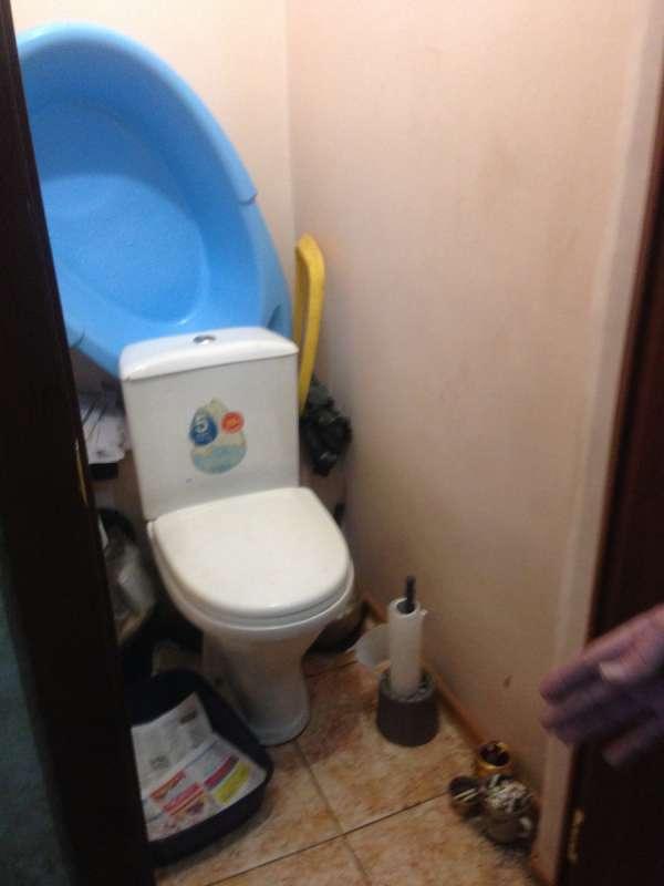 Есть в квартире и игрушечный туалет